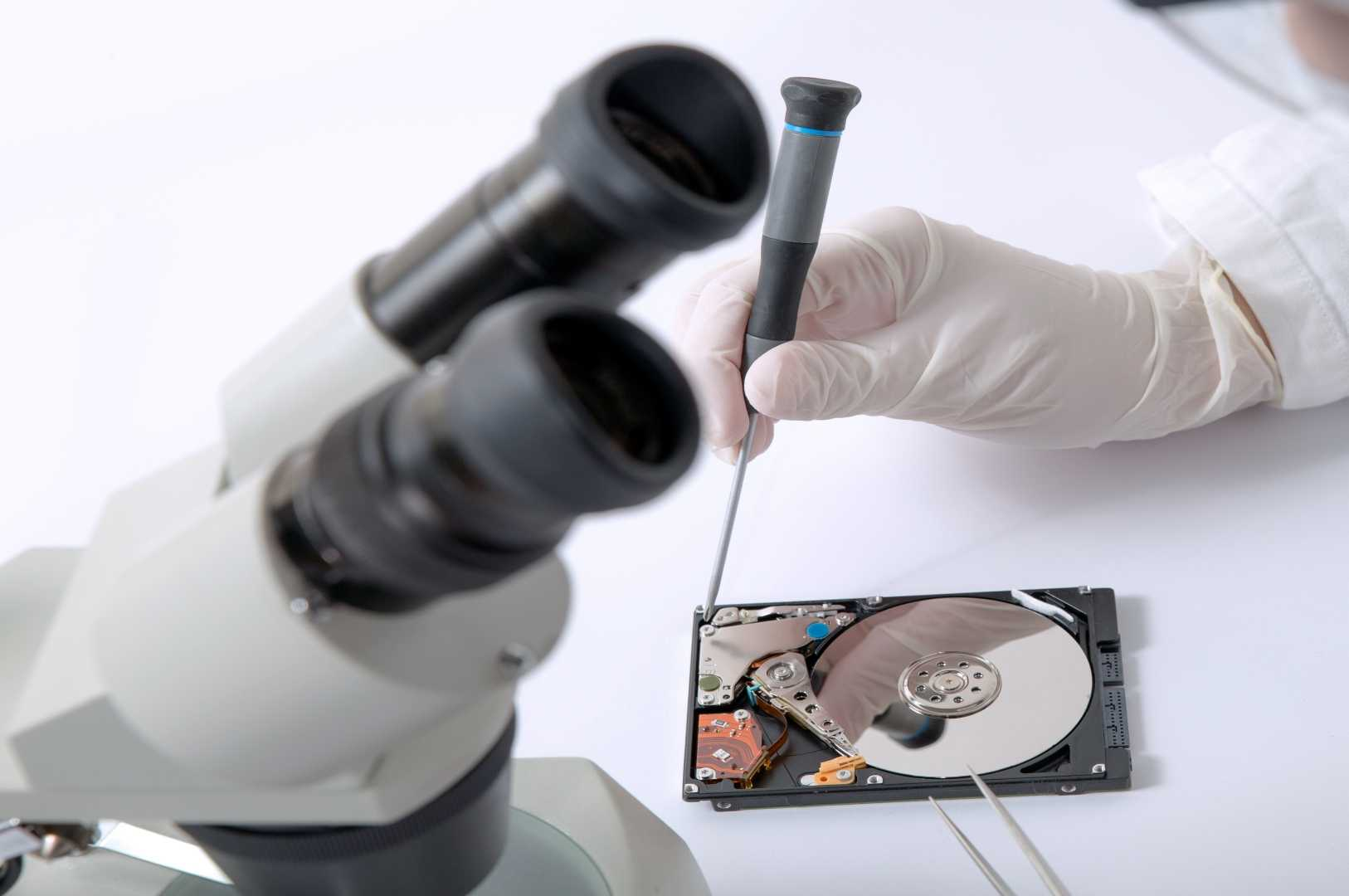 Diassemblamento Hard Disk